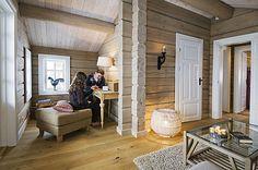 Bildearkiv - håndlaftede tømmerhytter   Drømmehytta   Veggli   Buskerud Winter House, Futuristic, Oversized Mirror, Cabin, Furniture, Ideas, Home Decor, Decoration Home, Room Decor