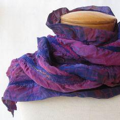 Nuno vilten sjaal in paars en marine