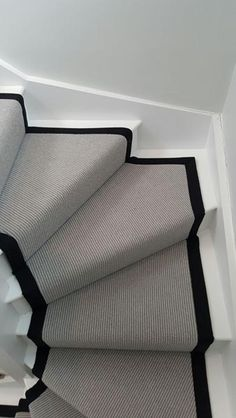 New Pics Grey Carpet stairs Suggestions Choosing the right carpet colour can be . New Pics Grey Carpet stairs Suggestions Choosing the right carpet colour can be a daunting process. Hallway Designs, Foyer Design, Design Bedroom, Stair Design, Staircase Design, Carpet Decor, Diy Carpet, Stair Carpet, Cheap Carpet