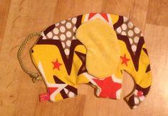 Knisterohr Elefant für Babies mit Schnullerhalter