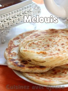 Recette meloui, crêpes marocaines feuilletées Wrap Recipes, Low Carb Recipes, Cooking Recipes, Morrocan Food, Moroccan Bread, Crepes And Waffles, Pancakes, Algerian Recipes, Ramadan Recipes