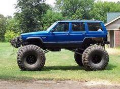 lifted cherokee jeep with BIG tires Jeep Xj Mods, Jeep Tj, Jeep Truck, Truck Bed, Jeep Grand Cherokee Zj, Jeep Photos, Badass Jeep, Cool Jeeps, Jeep Renegade