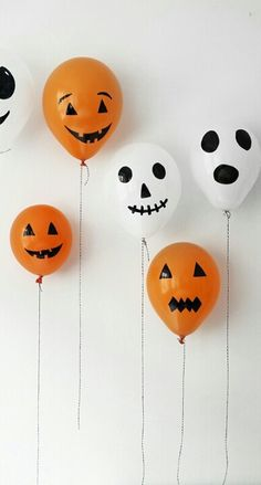 Easy Halloween Balloons - This fun and easy craft will be sure to entertain kids of all ages! While the #balloons are still deflated, take a magic marker and draw on the faces. Once you add air to the balloons, they'll inflate into a festive crowd!