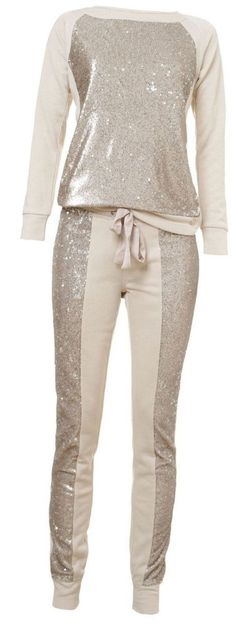 Sequin Jumpsuit Sport Outfit / Only Me 💋💚💟💖✌✔👌💙💚 xoxo Moda Casual, Casual Chic, Casual Wear, Casual Outfits, Lazy Outfits, Look Fashion, Winter Fashion, Womens Fashion, Fashion Trends