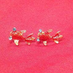 :: Japanese koi / goldfish earrings :: Cute dainty koi fish earrings. Rhinestone blue eyes. Simple, small, classy & unique. New, never worn. Jewelry Earrings