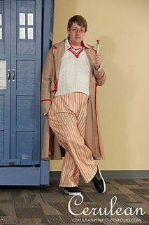 This is the pattern for the sweater worn by Peter Davison for his first two seasons as the Fifth Doctor. Stitch for stitch screen accurate. Sweater Knitting Patterns, Knit Patterns, Doctor Who Knitting, Doctor Who Cosplay, Fifth Doctor, Peter Davison, Cool Patterns, Stitch, Trending Outfits
