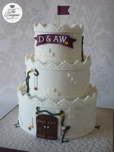 Castle Wedding Cake - This cake was based on a design by Royal Bakery and I believe it originally came from Yummy Cupcakes so credit goes to them both. The colours are based on the wedding flowers. Crazy Cakes, Fancy Cakes, Deco Cupcake, Cupcake Cakes, Pretty Cakes, Beautiful Cakes, Amazing Cakes, Castle Wedding Cake, Castle Cakes
