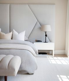 In honour of the most restful space in the home, these master bedroom ideas will present you with a host of ways that you can transform it from basic to boudoir. Master bedroom decor deserves to be de Modern Bedroom Design, Master Bedroom Design, Contemporary Bedroom, Bed Design, Master Bedrooms, Bedroom Designs, Bedroom Interior Design, Large Bedroom Layout, Bed Back Design