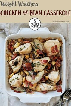 tasty Chicken & Bean Casserole is just 5 SmartPoints per portion on Weight Watchers Freestyle & Flex plan. A wonderfully comforting Weight Watchers recipe. Serve with zero point vegetables for a healthy and very low point weight watchers dinner. Weight Watchers Pasta, Weight Watchers Casserole, Weight Watcher Dinners, Wieght Watchers, Ww Recipes, Low Calorie Recipes, Lunch Recipes, Chicken Recipes, Chicken Meals