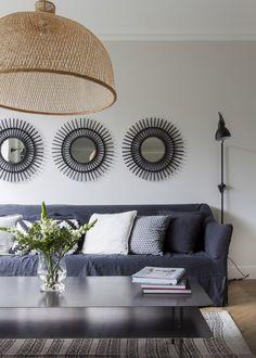 Miroirs au dessus du canapé