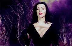 Vampira in Plan 9 From Outer Space. Horror Show, Horror Art, Horror Movies, Vampire Pictures, Maila, Creatures Of The Night, About Time Movie, Old Hollywood, Classic Hollywood