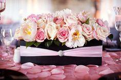 Ideas para combinar el color de las bodas del 2016: rosa cuarzo con negro #bodas #ElBlogdeMaríaJosé #RosaCuarzo #Colorboda #Bodas2016 #Decoraciónboda #Inspiración #Weddings