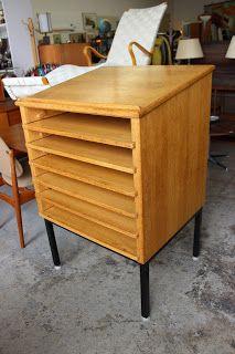 "qwac.ca - Vintage Oak Map Cabinet - Mfg: Canadian Library Services.  6 sliding / removable shelves. 30"" x 26"" x 46""   $395"