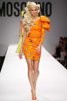 Moschino Spring 2015 Ready-to-Wear - Collection - Gallery - Look 1 - Style.com