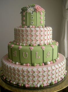 Green and pink cake Fancy Cakes, Cute Cakes, Pretty Cakes, Yummy Cakes, Beautiful Cakes, Amazing Cakes, Cakepops, Elegant Cakes, Occasion Cakes