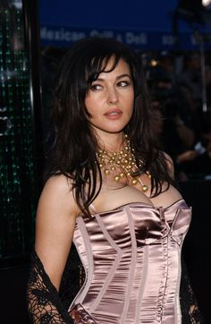 Monica Bellucci will play a Bond Girl in the new James Bond movie Spectre but will it lead to her landing bigger Hollywood roles? Description from german.fansshare.com. I searched for this on bing.com/images