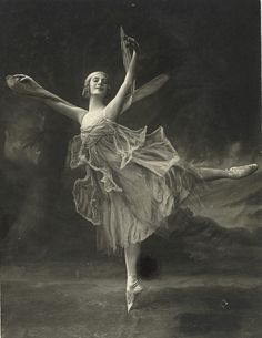 The Beautiful Anna Pavlova, Dancing the, Dragon Fly,  1914.