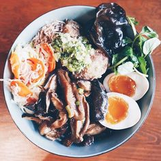 My favourite kinda bowl . Soft Boiled Eggs, Buddha Bowl, Rice Bowls, Chinese Food, Fried Chicken, Ramen, Ethnic Recipes, Instagram, China Food
