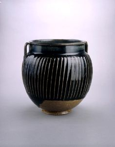 Henan Black ware jar with white stripes, 2nd half of the 11th century – 1st half of the 12th century, Song Dynasty (AD 960 – 1279). @ the Ashmolean Museum, University of Oxford