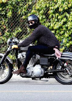 Harry Styles + Motorcycle= No Bueno