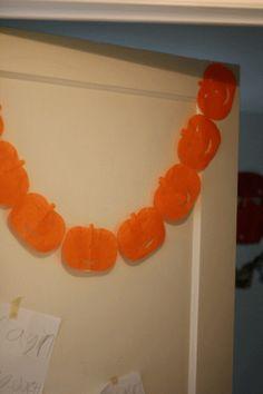 Think Crafts Blog – Craft Ideas and Projects – CreateForLess » Blog Archive » Pumpkin Door Garland