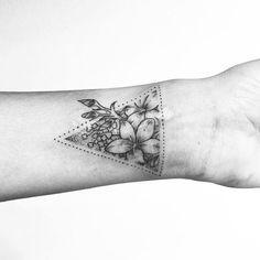 dotwork tattoo on wrist