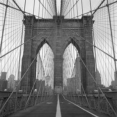 Walk across The Brookyln Bridge