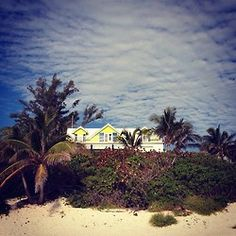 Wyatt's yellow beach house where he took Michelle to do Penance.