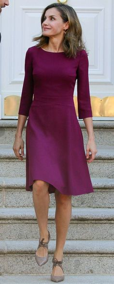 Pretty dress in a great color! Simple, yet flattering.