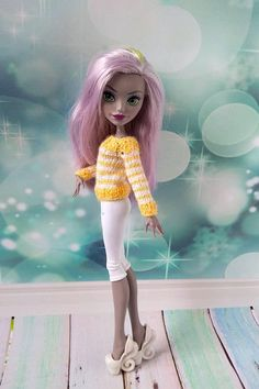 Handmade outfit Monster High hand-knitted yellow sweater