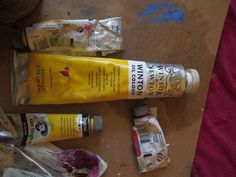 Winsor and Newton Paints  #Malerei #Bild #Ölgemälde #Kunst #zeitgenössisch #berlin #Ulm #kunst #machen #Adriana #Arroyo #Quirin #Bäumler  #winsor #newton #farbe #galerie #maimeri #leinwand #pinsel #expressive #teuer #cadmium Berlin, Painting, Hue, Yellow, Contemporary Art, Abstract Art, Brushes, Ulm, Canvas