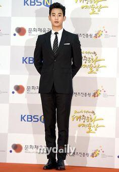 nice Kim Soo Hyun - Korean Pop Culture & Art Awards (17.11.2014)