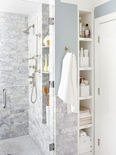 Herausziehbares Badezimmer-Speicher hinter der Dusche-Klempnermauer Pull-out bathroom storage behind the shower-plumbing wall Image Size: 550 x 733 Source Bad Inspiration, Bathroom Inspiration, Moving Walls, Shower Plumbing, Budget Bathroom Remodel, Shower Remodel, Bath Remodel, Restroom Remodel, Condo Remodel