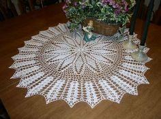 Crochet Galore: Tuesday Treasures ~ free pattern by rosanna Crotchet Patterns Free, Sewing Patterns Free, Free Pattern, Thread Crochet, Filet Crochet, Doilies, Doily Art, Crochet Dollies, Crochet Snowflakes