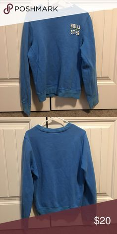 Hollister Sweat Shirt great condition, super soft! Hollister Tops Sweatshirts & Hoodies