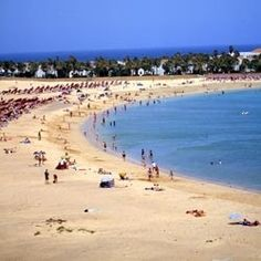 Gran Canaria Playa del Ingles - Without a doubt, Gran Canaria is one of the popular islands of the Canary archipelago that is often chosen as a holiday resort. One of the beaches...