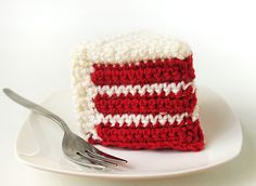 DIY: crochet red velvet cake