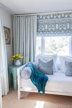 Great way to deal with the funky windows in many FL mid-century ranch style homes - wall of curtain, with fabric of roman shade as artwork in room. House of Turquoise: Caitlin Moran Interiors House Of Turquoise, Patterned Roman Shades, White Daybed, White Bedding, White Bedroom, Teen Bedroom, Interior Design Boards, Furniture Design, California Homes