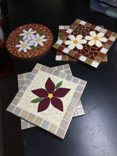 Mosaic Tray, Mosaic Tile Art, Mosaic Art Projects, Mosaic Crafts, Stained Glass Patterns, Mosaic Patterns, Mosaic Garden Art, Mosaic Flowers, Mosaic Madness