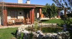 Casa Rural La Xana Pando A rustic stone built guesthouse that blends in well with its surroundings, made up of spectacular rolling verdant countryside, foothills and woodland.