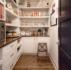 Butler pantry by Veranda Interiors US