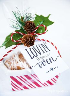 "Free printable gift tag wrapping idea: ""lovin' from my oven."" Pair with your favorite homemade baked good for an easy neighbor or coworker gift."