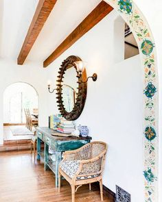 8 Best And Amazing Spanish Style Bedroom Furniture Design Ideas Spanish Style Homes, Spanish House, Spanish Style Decor, Spanish Tile, Spanish Revival, Best Interior Design Websites, Decor Interior Design, Entry Way Design, Loft