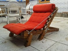 99 Pallets discover pallet furniture plans and pallet ideas made from Recycled wooden pallets for You. So join us and share your pallet projects. Pallet Furniture Lounge, Diy Furniture Sofa, Recycled Pallet Furniture, Pallet Lounge, Diy Pallet Sofa, Wooden Pallet Projects, Reclaimed Wood Furniture, Wooden Pallets, Pallet Chairs