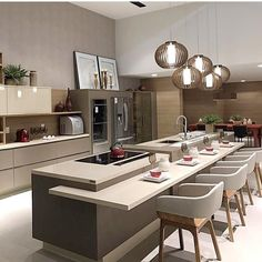 Today we will show you the 5 kitchen trends 2018 that will be IN because the new year also means new kitchen design. Luxury Kitchen Design, Kitchen Room Design, Luxury Kitchens, Home Decor Kitchen, Interior Design Kitchen, New Kitchen, Home Kitchens, Kitchen Modern, Kitchen Lamps