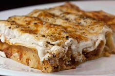 One fine example of food that brings back childhood tastes unaltered; Meat cannelloni with béchamel sauce. Cookbook Recipes, Gourmet Recipes, Dessert Recipes, Cooking Recipes, Greek Cooking, Easy Cooking, Italian Cooking, Food Network Recipes, Food Processor Recipes
