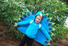 oh i need a little girl so she can be a peacock one year! maybe i'll be one next year!