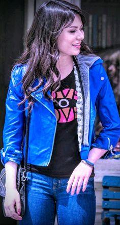 Miranda Cosgrove Icarly, Emma Watson Beautiful, Wwe Female Wrestlers, Laura Marano, Beautiful Goddess, Jennette Mccurdy, Wwe Womens, Victoria Justice, Celebrity Beauty