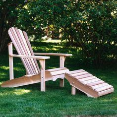 Kjøp stol og skammel sammen, og spar penger!Pakken inneholder vår klassiske adirondack-stol med tilhørende ottoman. begge deler leveres umontert, men med forborede hull og alle skruer samt lim og plugger medfølgende.Adirondack-stolen forbinder vi med landsens liv på Østkysten i USA og i Can