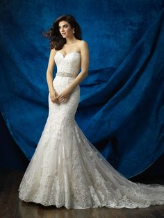 This gown is perfection: gorgeous lace, the ideal silhouette and a scalloped, sweetheart neckline // Allure Bridals 9368
